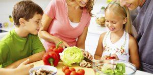 Habitos-alimentares-saudaveis-comeca-em-casa-900x444